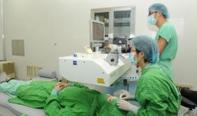 近视眼手术治疗
