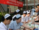护理部组织专家到簇锦社区进行5.12大型义诊