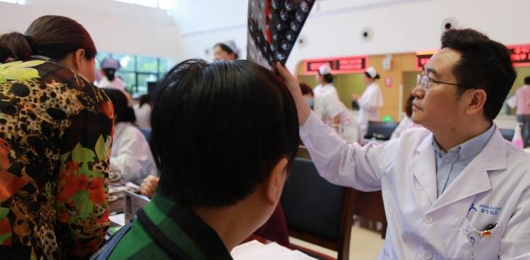我院医疗集团金牛医院举行5.12国际护士节义诊活动