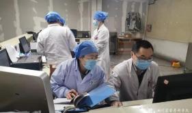 对抗新型冠状病毒呼吸与危重症医学科党支部在行动