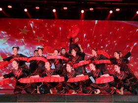 2020春晚-扇子舞《红翼》(青年舞蹈队)