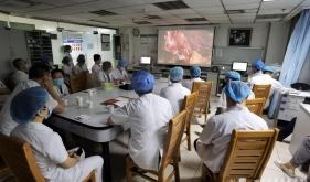 器官移植中心举行微创手术视频展示评审主题党日活动