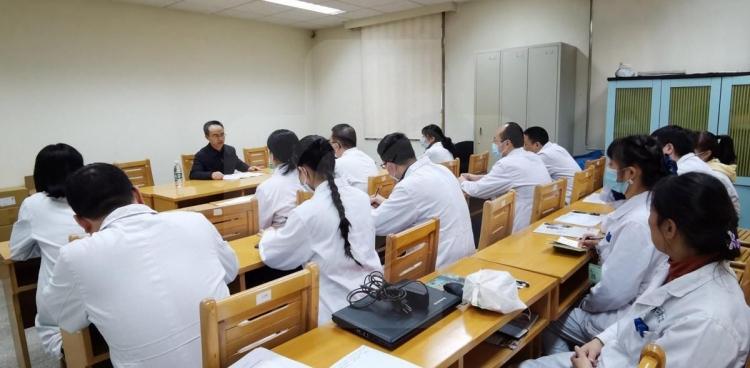 院党委书记欧力生到核医学科宣讲党的十九届五中全会精神