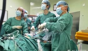 胃肠外科成功开展单孔+1(SILS+1)全腹腔镜胃癌根治术